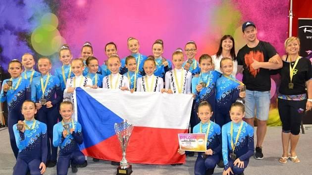Čtyři zlaté, jedna stříbrná. Bydžovské mažoretky zářily na mistrovství Evropy.