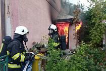 Požár domu způsobil škodu za 100 tisíc korun.