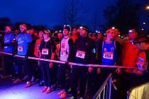 Na startu druhého ročníku charitativního vánočního běhu Hradcem Králové.