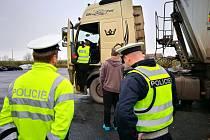 Policisté si v týdnu posvítili na porušování pravidel. Hříšníky byli zejména řidiči náklaďáků.