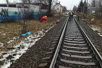 Po střetu vlaku s chodkyní v hradeckých Kuklenách.