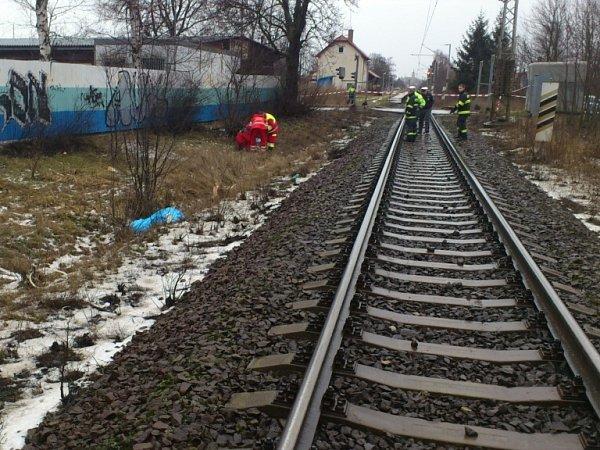 Po střetu vlaku schodkyní vhradeckých Kuklenách.