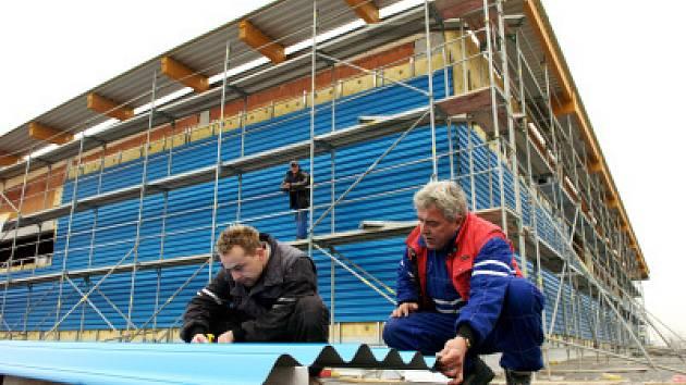 Stavba nové sportovní haly v Třebši
