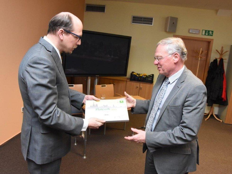 Z vyhlášení výsledků krajského kola soutěže Zlatý erb 2018: ocenění pro Jičín.