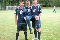 Michal Vantura (uprostřed), fotbalista Starého Bydžova.