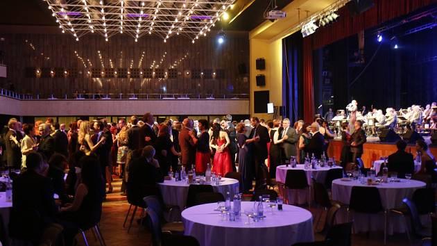 Královéhradecký městský ples v Kongresovém centru Aldis.