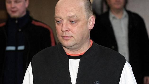 Soud s Michalem Pěnkavou obviněným ze znásilnění.