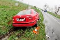 Dopravní nehoda dvou osobních automobilů mezi obcemi Dolní Přím a Lubno.