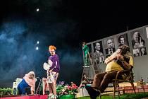 Evropa - autorský projekt herce a režiséra Braňa Holička v královéhradeckém Klicperově divadle.