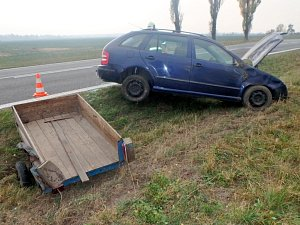 Dopravní nehoda dvou osobních automobilů poblíž obce Káranice.