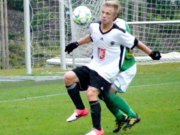 Fotbalová Česká liga U17 - B: Hradečtí mladíci v akci (zachycen duel s Jabloncem).