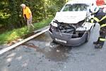 Dopravní nehoda osobního automobilu a dodávky v hradecké ulici Bratří Štefanů.