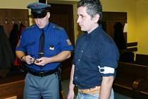 Na devět let  poslal soud do vězení pětatřicetiletého Richarda Fronka