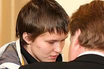 Vlastimil Suchánek před hradeckým soudem za vraždu novorozeněte.