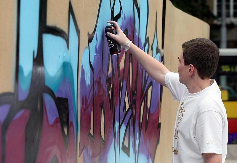 Graffiti Street Jam na Ulrichově náměstí v Hradce Králové.