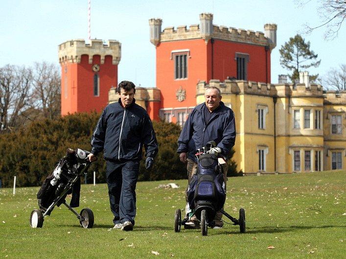 Golf na Hrádku u Nechani