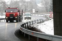 Objízdná trasa u Opatovic nad Labem.