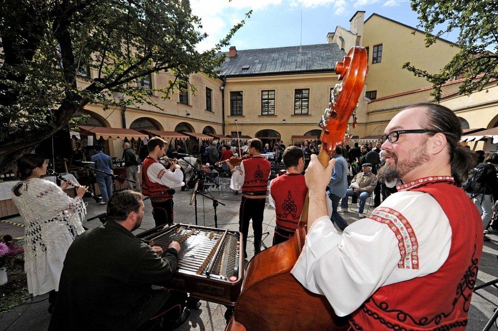 Hradecký koštýř - slavnosti vína a burčáku v Hradci Králové.