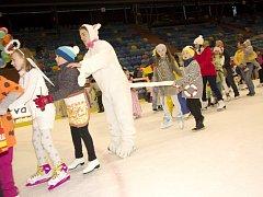 Karneval na ledě na královéhradeckém zimním stadionu.
