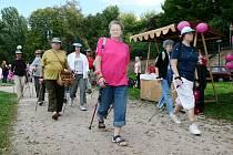 Pochodu se zúčastnily ženy, které rakovinu prodělaly, ale také ty zdravé, aby podpořily činnost Mamma help centra.