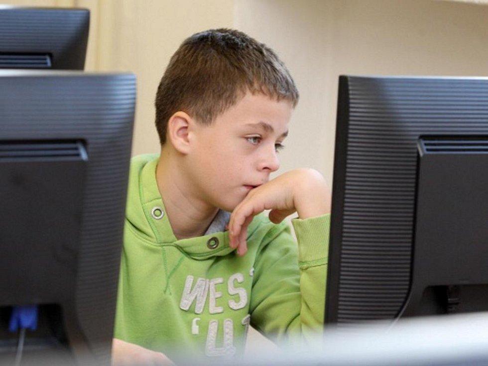 Zkušební testování žáků základních škol.