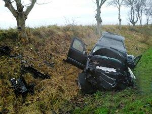 Nehoda dvou aut u Všestar
