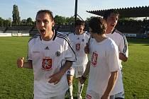 Oslavy postupu FC Hradec do 1. ligy po utkání s Duklou Praha (neděle 23. května 2010).