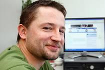 Hokejista Martin Koudelka v redakci Hradeckého deníku