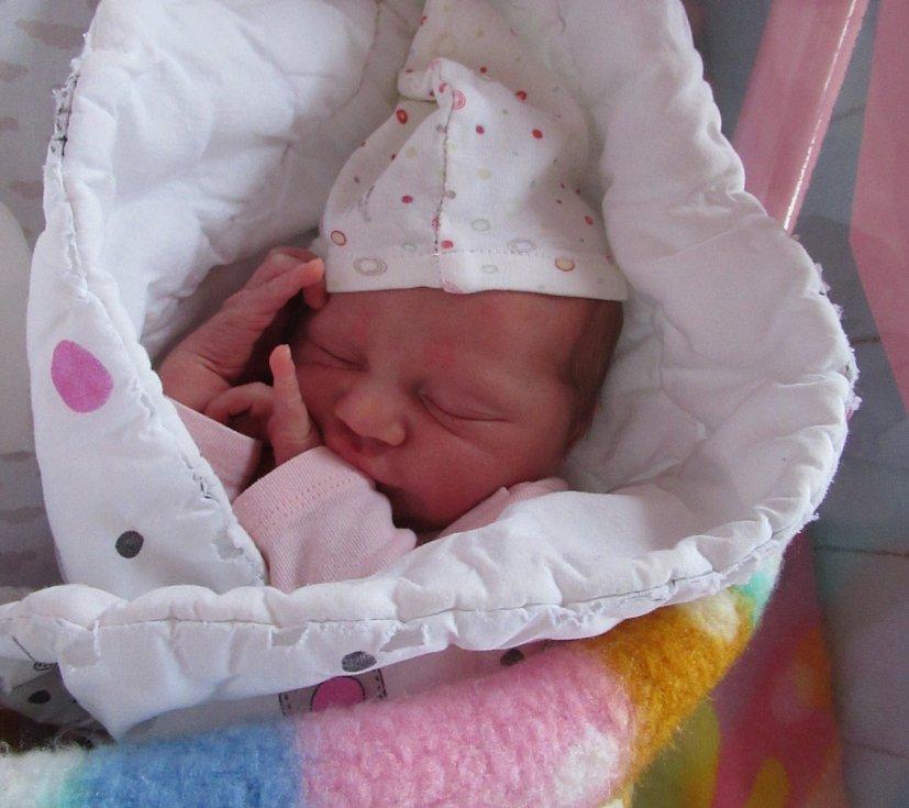 MARIE MICHALIČKOVÁ se narodila 3. března 2021 v 17:07 hodin v jilemnické porodnici. Měřila 48 cm a vážila 3000 g. S rodiči Ondřejem Michaličkou a Petrou Matěnovou jsou doma v Trutnově.
