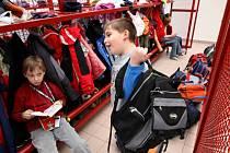 Základní škola SNP. Zloději se do hradeckých škol dostanou bez větších problémů, jak ukázal test, který prováděl Deník.