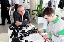Celostátní finále soutěže odborných znalostí a dovedností Autoopravář Junior 2015.
