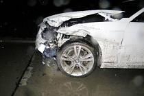 Havárie osobního automobilu na dálnici D11.