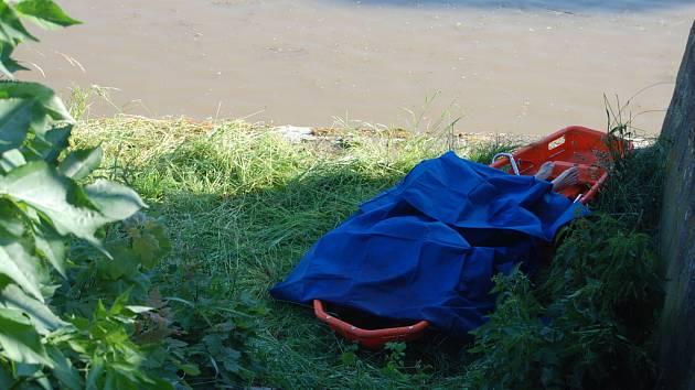 U hasičské zbrojnice byla z Orlice vytažena mrtvá žena