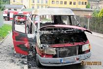 Požár dodávky v Broumově.