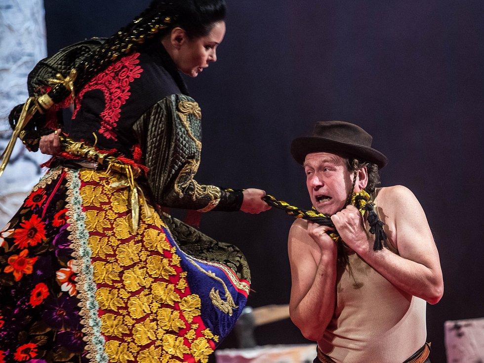 Zkouška hry Radúz a Mahulena v hradeckém Klicperově divadle.