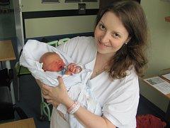 MARIE OŽANOVÁ se narodila 16. května v 00.52 hodin. Svými 52 centimetry a 3810 gramy rozradostnila maminku Annu a tatínka Martina z Hradce Králové.