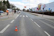 Místo střetu automobilu s osobou na přechodu - hradecká ulice Víta Nejedlého.