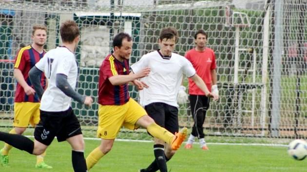 Okresní přebor ve fotbale: TJ Sokol Stěžery - AFK Probluz.