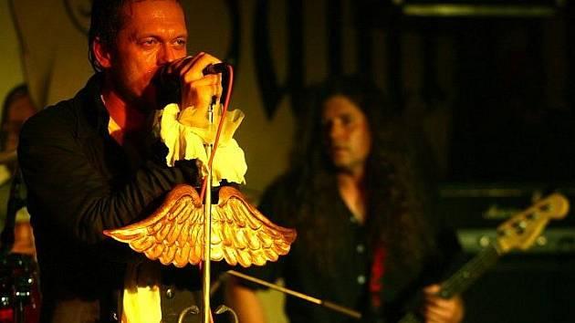 Gaia Mesiah Band.