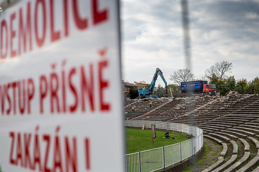 Demolice hradeckého stadionu v roce 2017