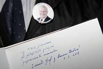 Členové SPOZ a příznivci prezidenta Miloše Zemana při cestě na slavnostní inauguraci na Pražský hrad.