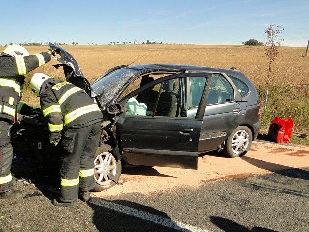 Dopravní nehoda tří osobních vozidel uVšestar.