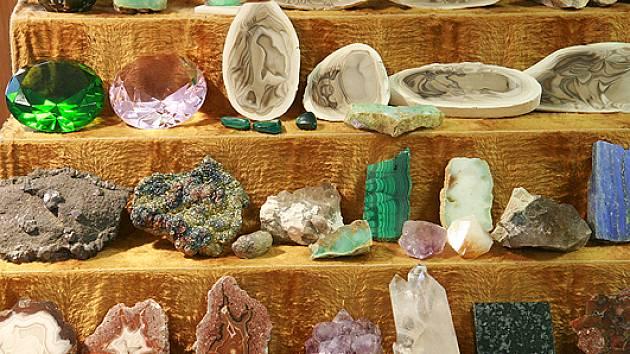 Výstava minerálů a výrobků z nich