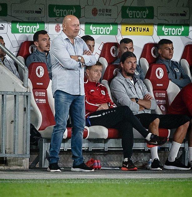 Hradecký trenér Miroslav Koubek