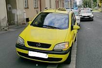 Strážníci taxikářku zastavili pro jeji bezohlednou jízdu.