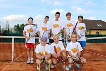 Členové Tenis-centra DTJ Hradec Králové na mistrovství České republiky.
