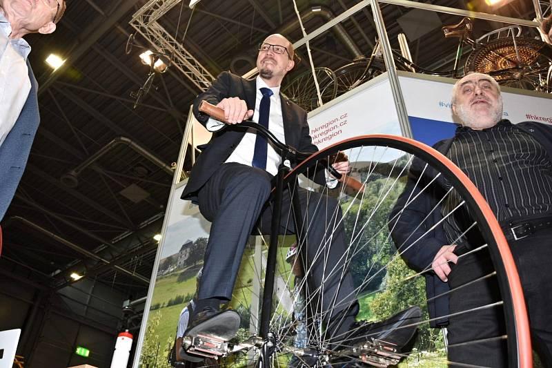 Královéhradecký kraj zval vBrně na aktivní dovolenou strávenou na kole.