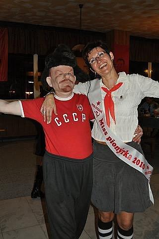 Oslavy VŘSR v Hospodě Pod Strání.