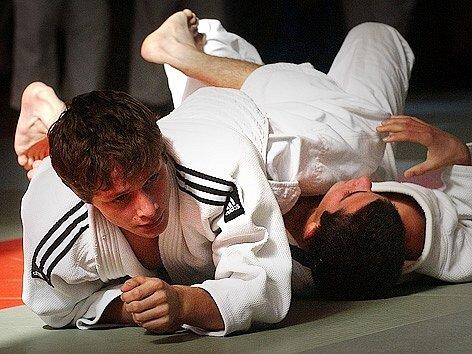 Pavel Petřikov (vlevo) při tréninku