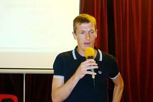 Jiří Lindr při prezentaci brankářské školy.